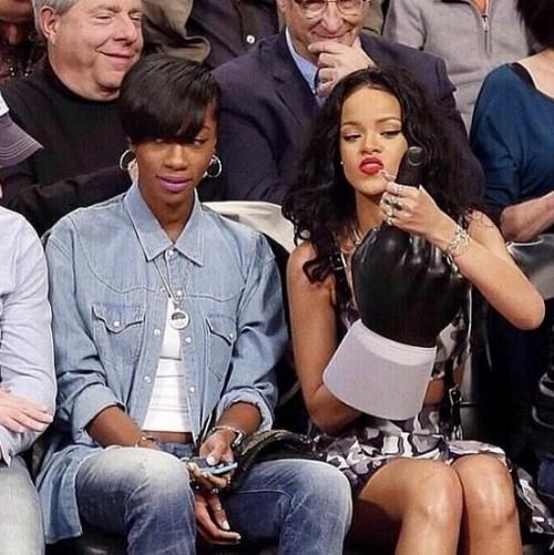 Rihanna Uses Giant Foam Finger to Entertain Old White Men (1)