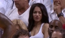 Female Heat Fan Looking Sexy for the Camera (GIF)