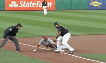 Watch Reds Speedster Billy Hamilton Go First-to-Third on Dribbler Back to Mound (GIFs)