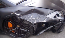 Let's All Watch Some Guy Crash a $400K Lamborghini on the Streets of London (Videos)