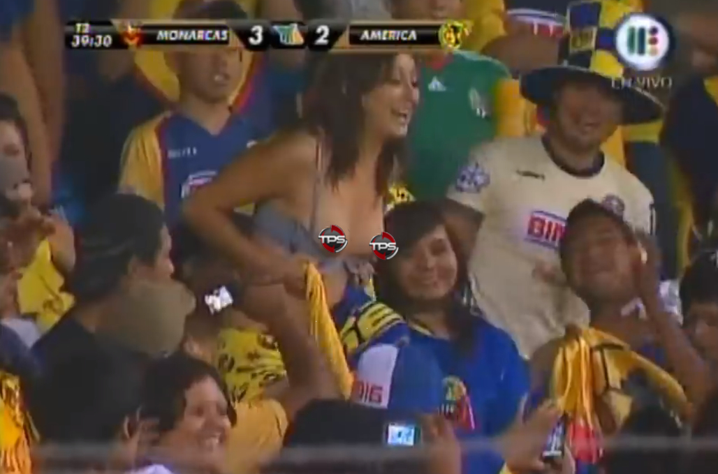 monarcas america mexican soccer fan flashes boobs - sports flashers