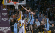 Lakers Forward Nick Young Dazzles with 360º Reverse Layup Against Marc Gasol (Video)