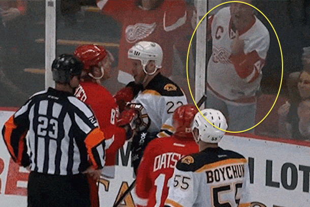 red wings fan gives bruins the finger