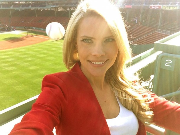 1 kelly nash fenway selfie - best sports selfies