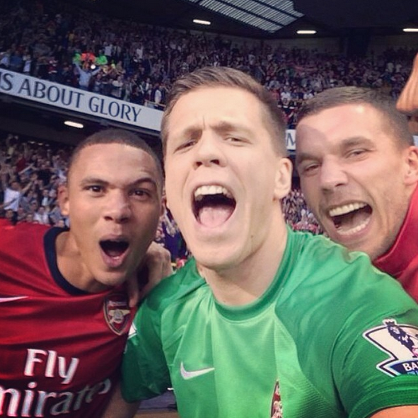 11 Wojciech Szczesny selfie with lukas podolski and kieran gibbs - best sports selfies