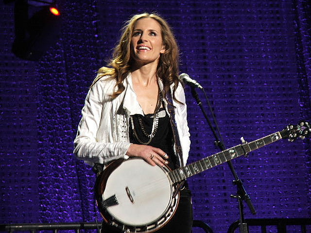 11 emily robison dixie chicks - hot women of san antonio (charles barkley)