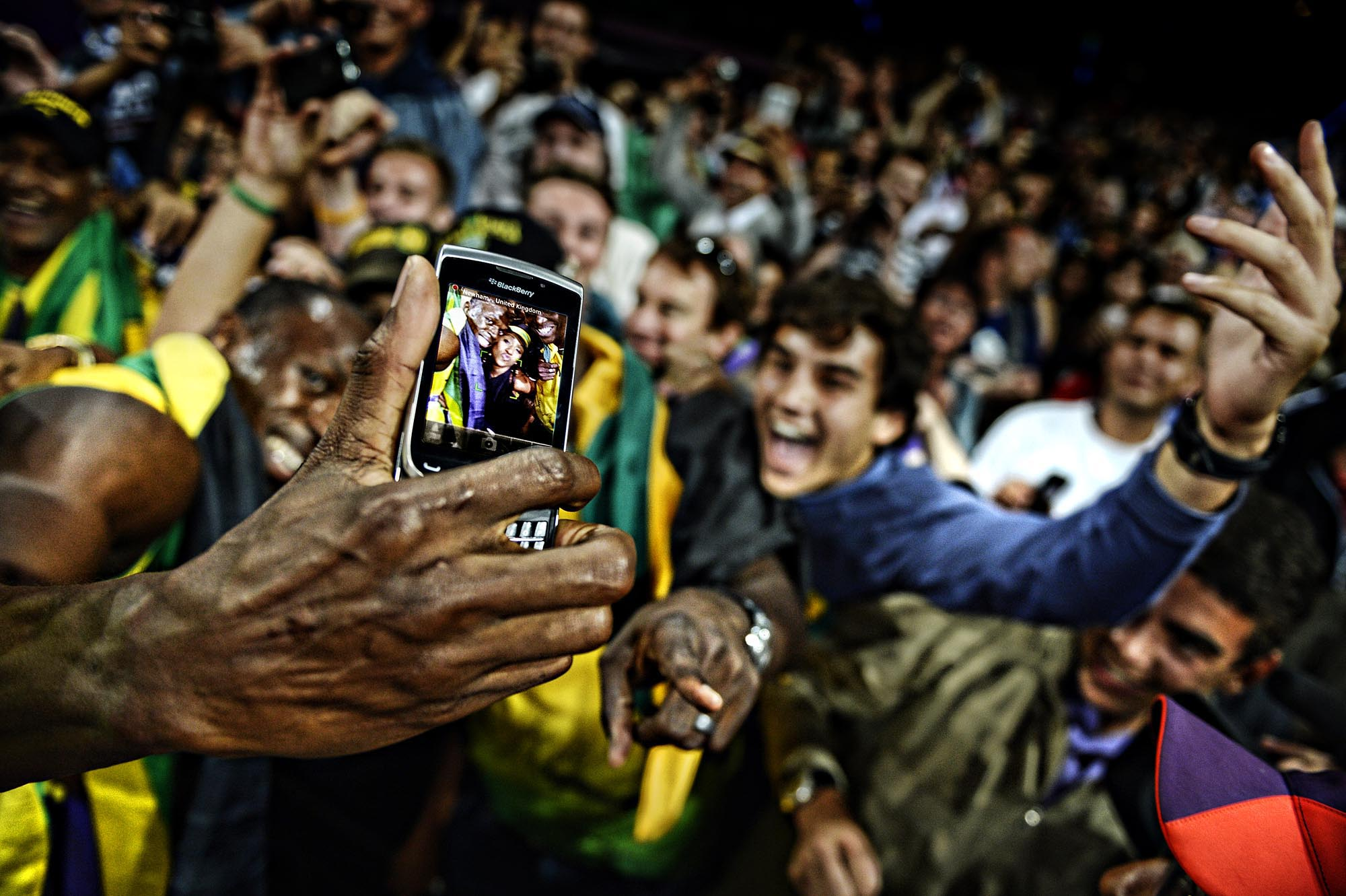 2 usain bolt selfie - best sports selfies
