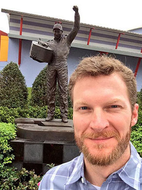 20 dale jr selfie with dale sr statue 2014 daytona 500 - best sports selfies