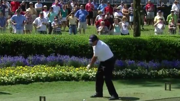 Mickelson right-handed at Sawgrass