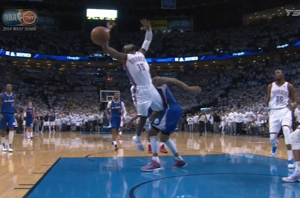 controversial replay review clippers thunder