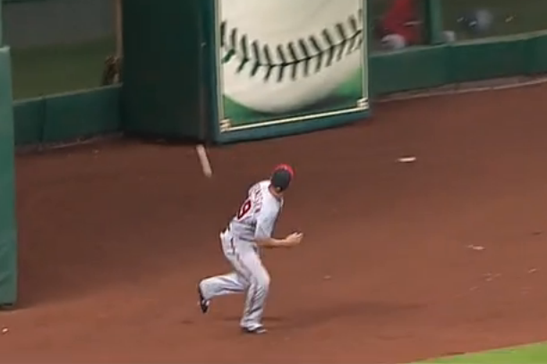 kevin frandsen no-look behind-the-back catch