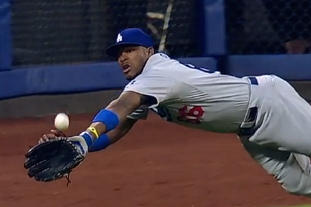 yasiel puig amazing diving catch vs mets
