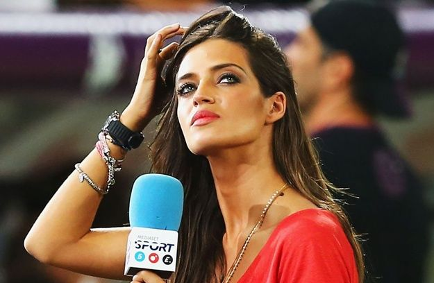 1 sara carbonero (telecino spain) - hottest soccer reporters around the world