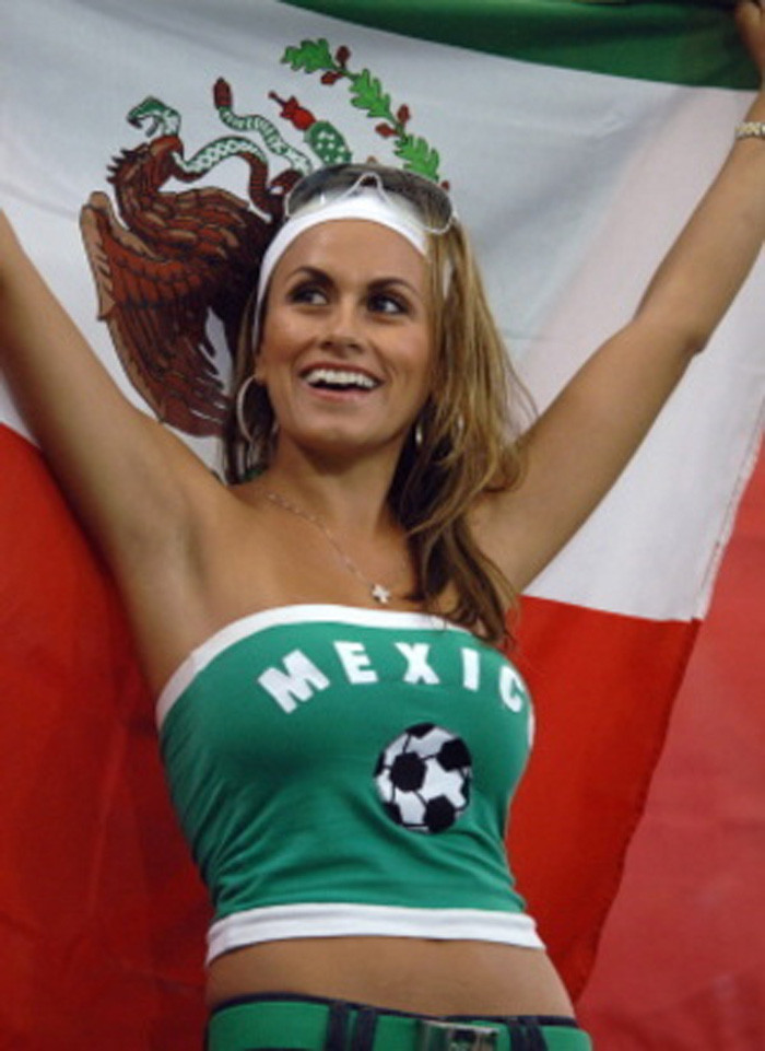 11 mexico 2 - hottest fans 2014 fifa world cup