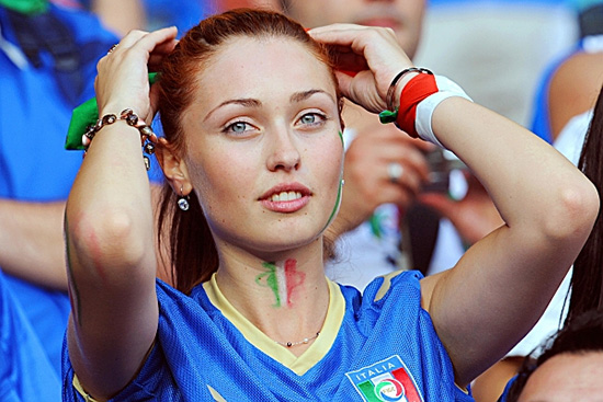 12 italy 1 - hottest fans 2014 fifa world cup