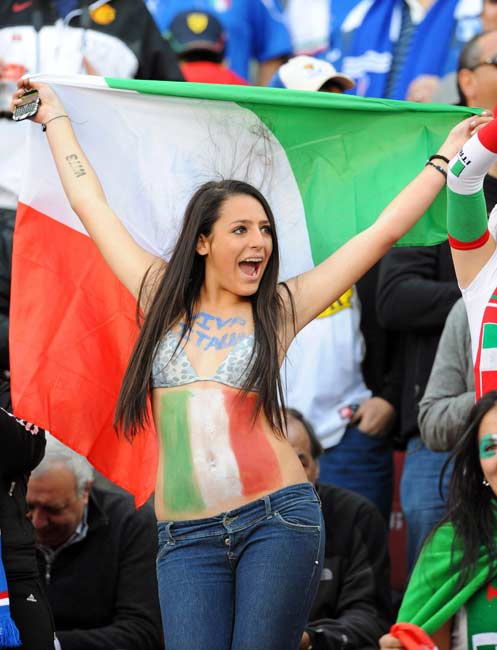 12 italy 2 - hottest fans 2014 fifa world cup