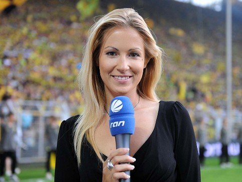 13 andrea kaiser (sports channel dsf germany) - hottest soccer reporters from around the world