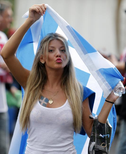 13 greece 2 - hottest fans 2014 fifa world cup