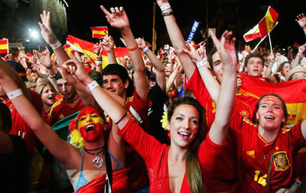 14 spain 2 - hottest fans 2014 fifa world cup