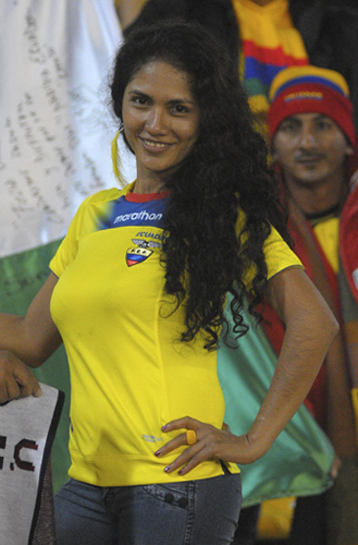 17 ecuador 3 - hottest fans 2014 fifa world cup
