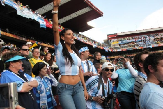 2 argentina 1- hottest fans 2014 fifa world cup