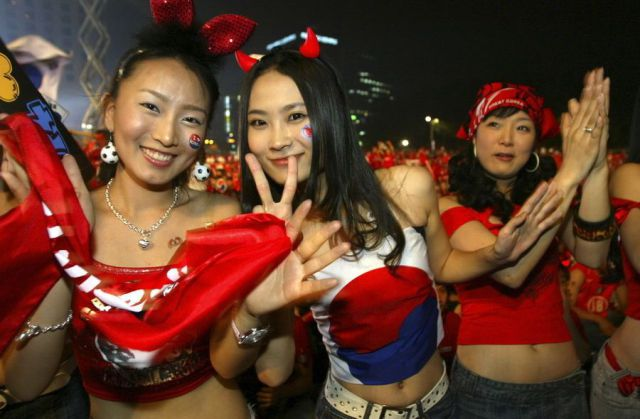 26-south-korea-2-hottest-fans-2014-fifa-world-cup