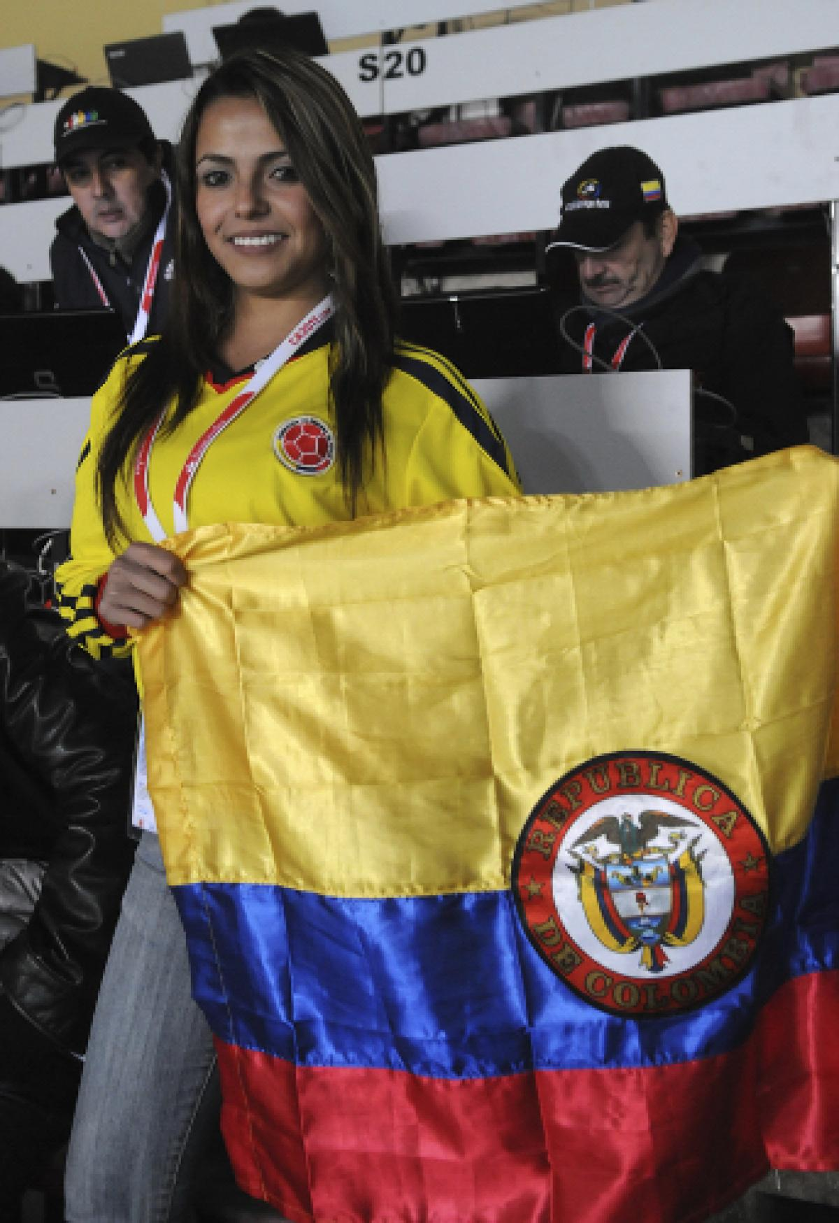 4 colombia 1 - hottest fans 2014 fifa world cup