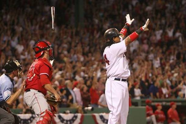 MANNY_RAMIREZ red sox bat flip