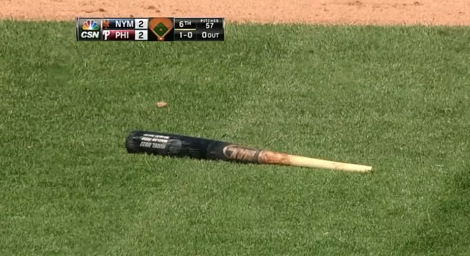 Marlon Byrd break bat swing and miss