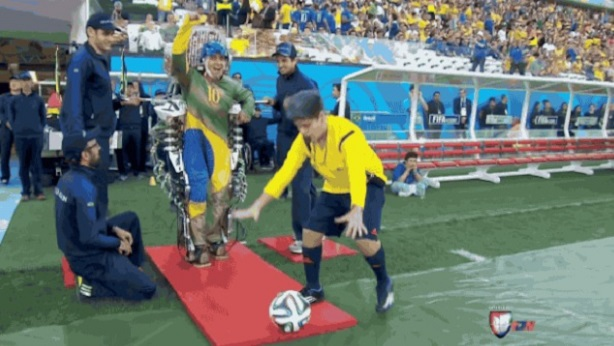 Paralyzed teen first kick world cup brazil