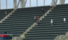 Raul Ibanez Hit a Foul Ball That Just Flat-Out Disappeared (Video)