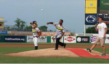 Carlton Throws Out First Pitch at State College's 'Fresh Prince of Bel-Air' Night (Tweets and Video)