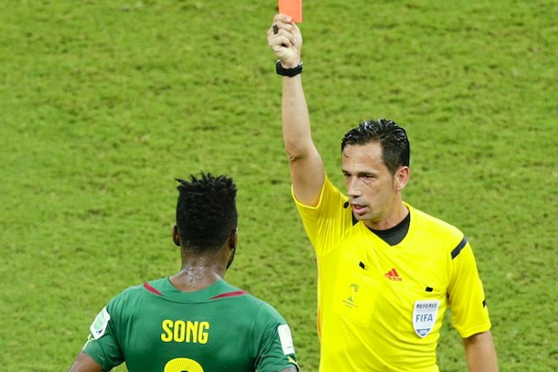 alex song cameroon red card vs croatia