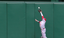 Reds Center Fielder Billy Hamilton Makes Leaping, Game-Saving Catch Against the Wall (Video)