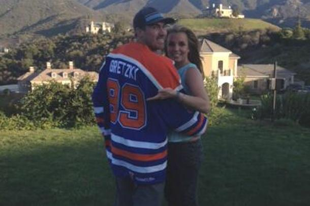 britney spears huge hockey fan