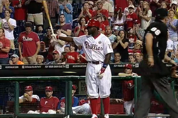 phillies fans standing ovation for tony gwynn jr
