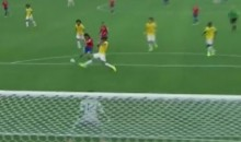 Chile's Mauricio Pinilla Hits Crossbar During Final Minute of Extra Time vs. Brazil (Video)