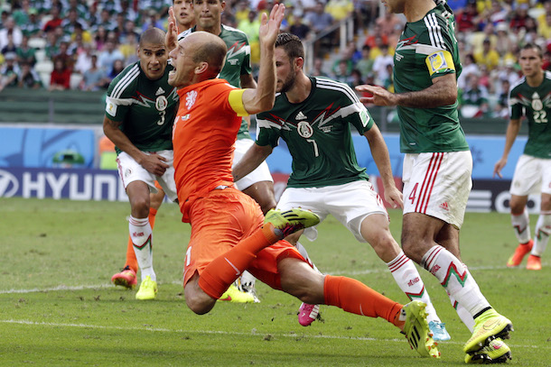 robben dive vs mexico