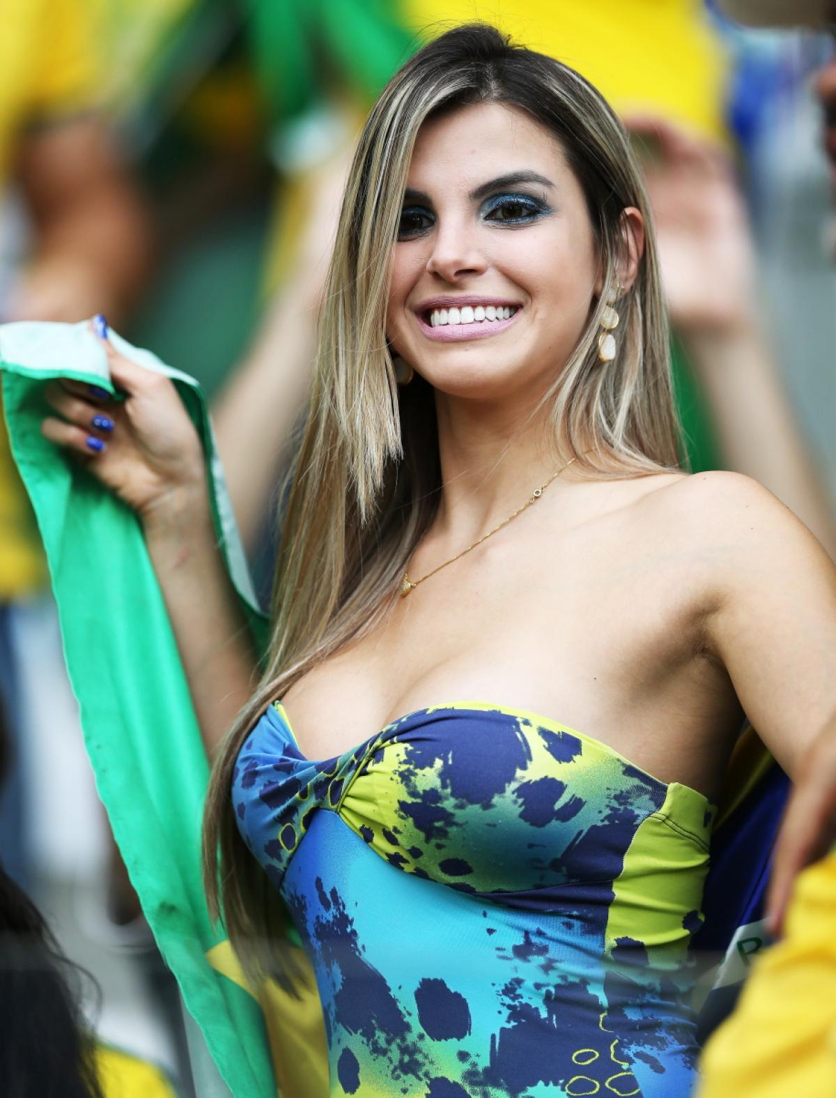 1 hot brazil fan 6 - hottest female fans 2014 world cup