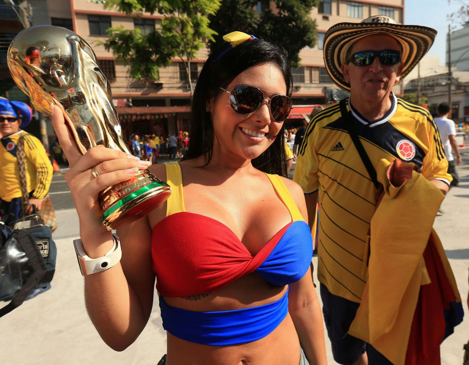 24 hot colombia fan 4 - hottest female fans 2014 world cup