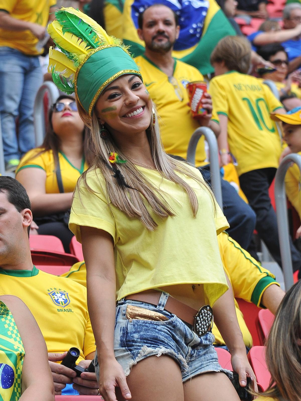 25 hot brazil fan 2 - hottest female fans 2014 world cup