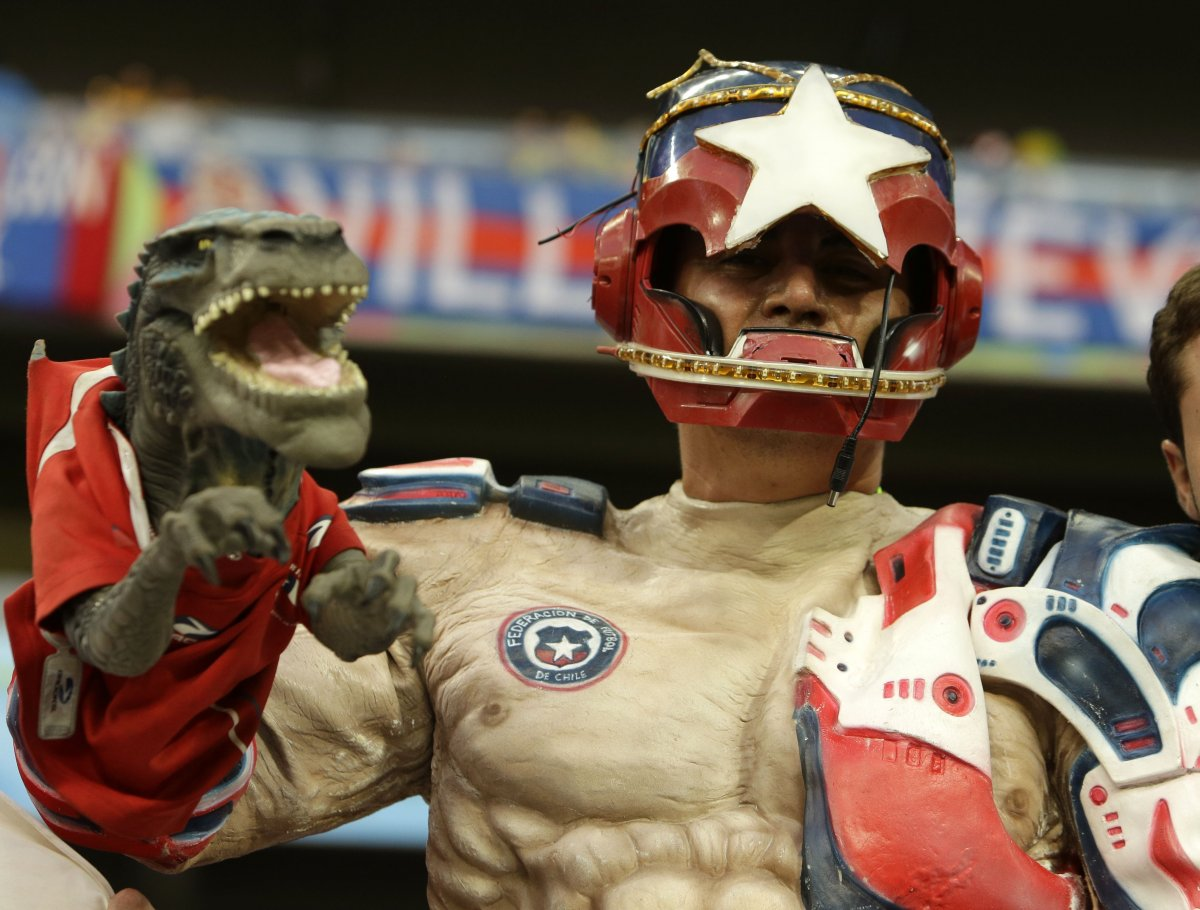 5 captain chile godzilla arm - craziest fans at 2014 fifa world cup
