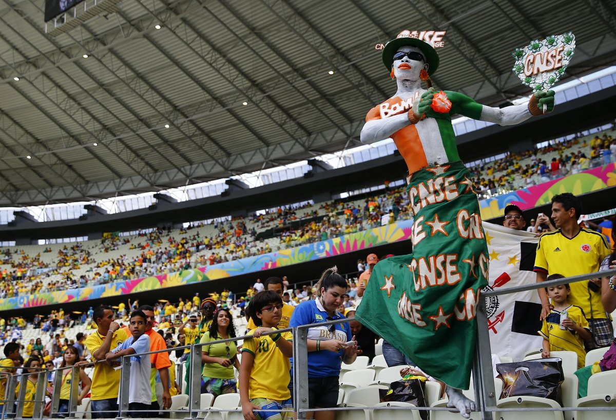 6 creepy ivory coast fan - craziest fans at 2014 fifa world cup