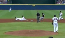 Braves Shorstop Andrelton Simmons Makes Ridiculous Force Play at Second Base (Video)
