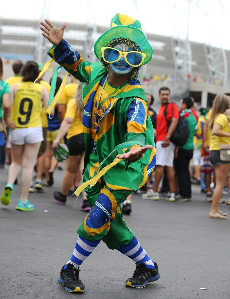 crazy brazil fan - craziest fans at 2014 fifa world cup