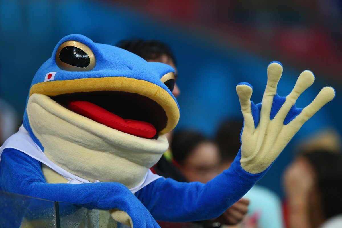 japanese frog fan - craziest fans at 2014 fifa world cup