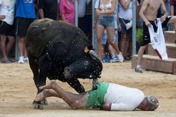 man gored in ass during running of the bulls 3