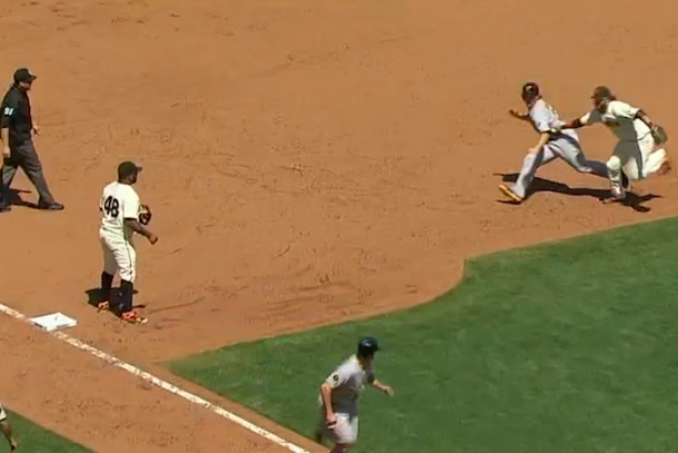 pirates baserunning fail vs giants results in two outs