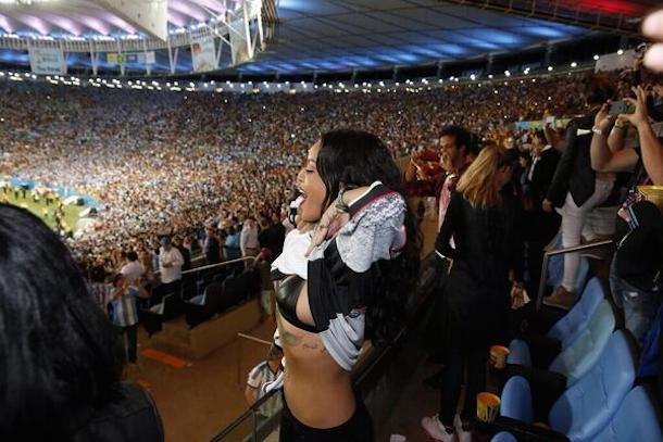 rihanna lifts up her shirt celebrating germany world cup win
