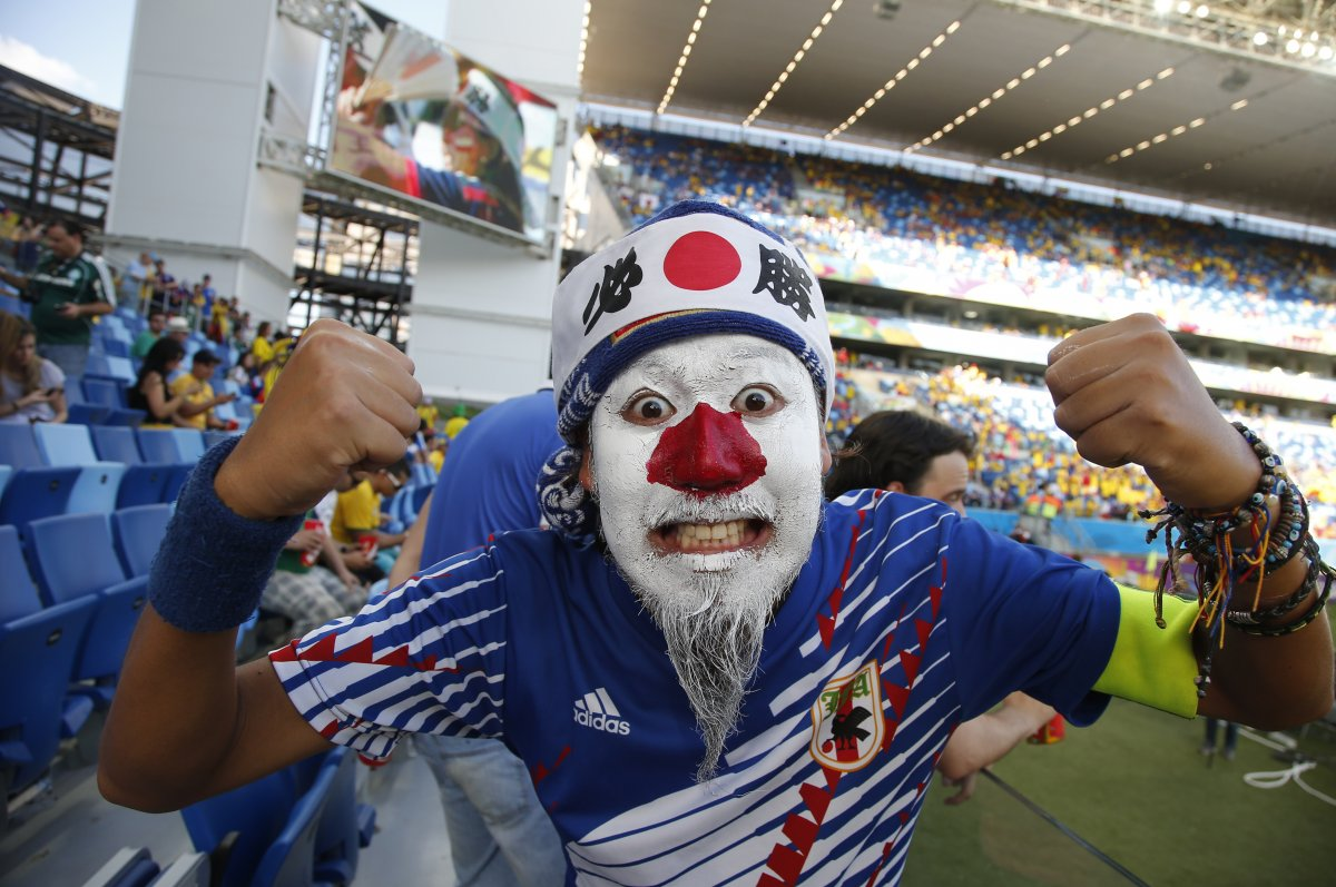 scary japan flag face - craziest fans at 2014 fifa world cup